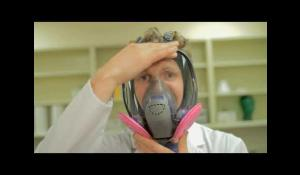 3M™ FF-400 Respirator Training: Chapter 2 - User Seal Checks